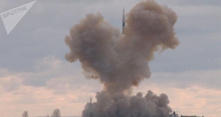Il lancio del nuovo missile Avangard