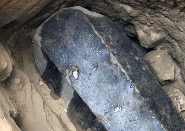 Sarcofago nero, Alessandria