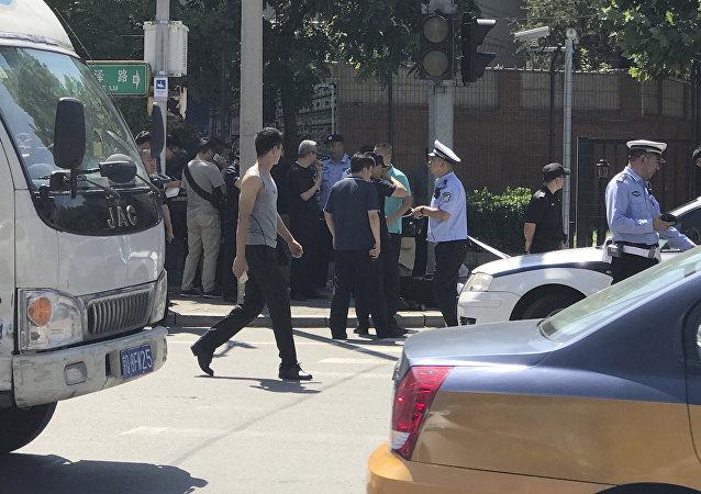 Polizia presso Ambasciata americana in Cina