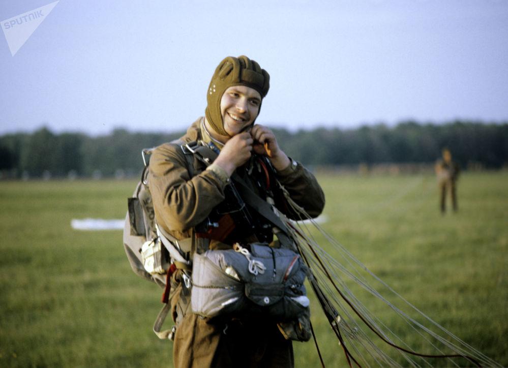 Il paracadutismo in URSS