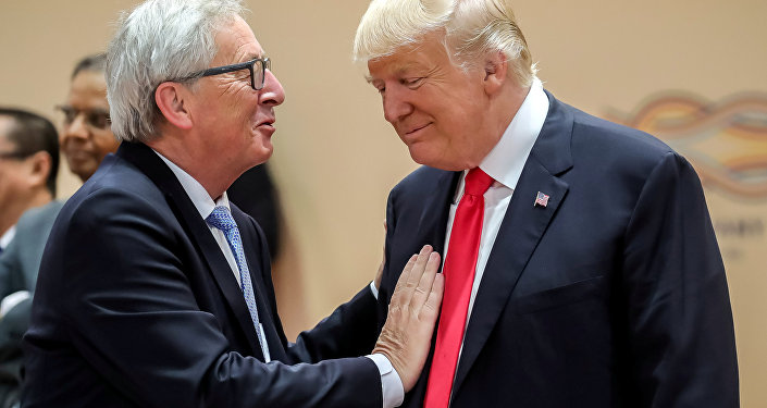 Donald Trump e Jean-Claude Juncker