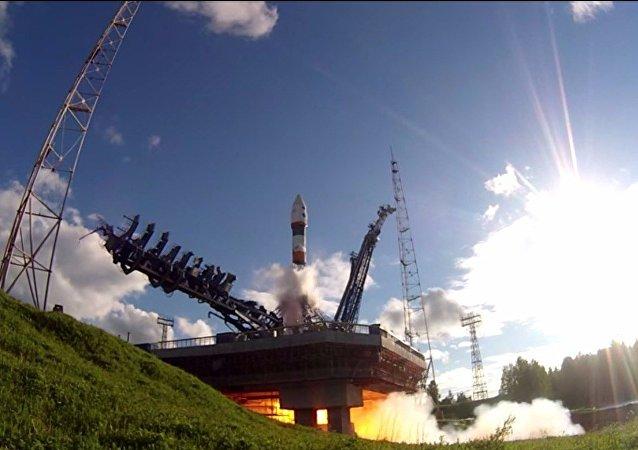 Lancio del razzo portante Soyuz 2.1 con vettore spaziale dal cosmodromo di Plesetsk