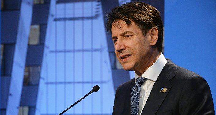 Il primo ministro italiano Giuseppe Conte al summit della NATO a Bruxelles.