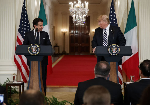 Premier dell'Italia Giuseppe Conte e il presidente Usa Donald Trump alla conferenza stampa congiunta dopo l'incontro del 30 luglio 2018 a Washington