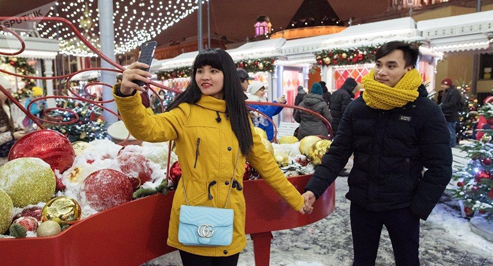 Giovani cinesi a Mosca