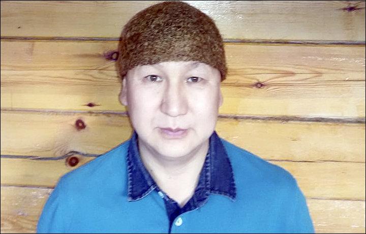 Vladimir Ammosov e il suo capello del pelo di mammut