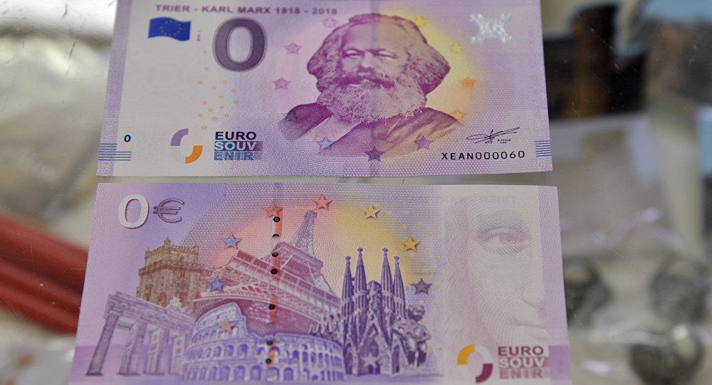 Banconota da 0 euro con immagine di Karl Marx