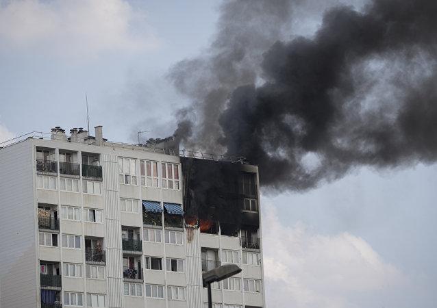 Incendio ad Aubervilliers