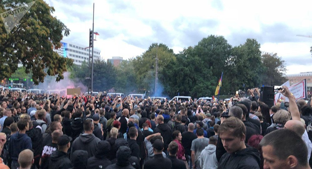 Germania, rivolta anti immigrati a Chemnitz: