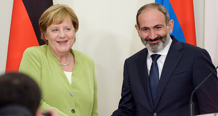 Angela Merkel e Nikol Pashinyan