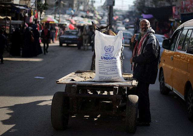Aiuti umanitari dell'agenzia delle Nazioni Unite UNRWA ai palestinesi