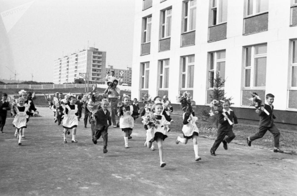 Primo giorno di scuola: com'era ai tempi dell'URSS