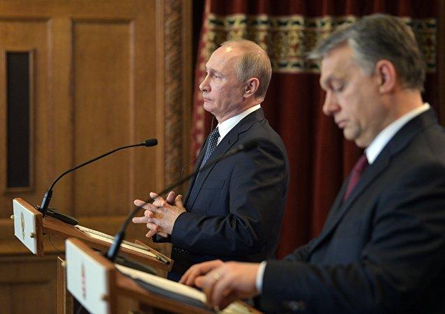 Vladimir Putin e Viktor Orban