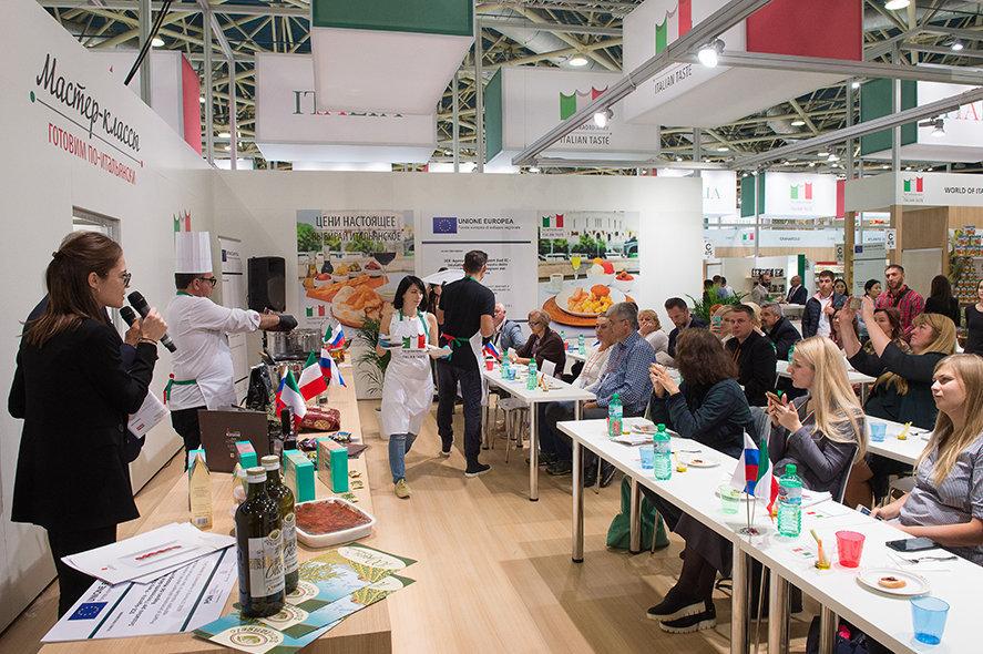 Una delle affollate master-class di cucina nel padiglione italiano di World Food