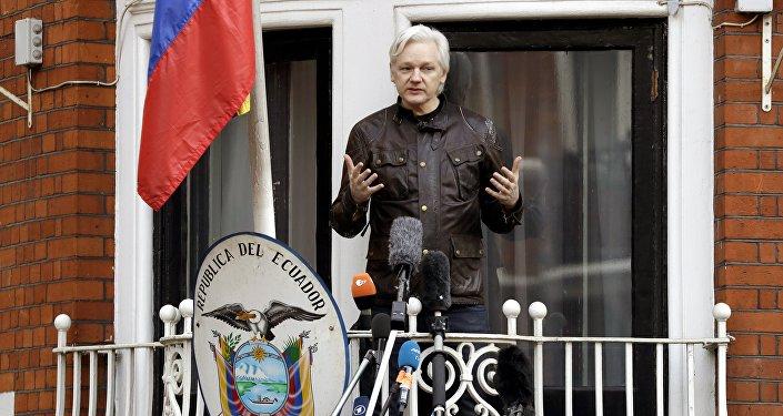 Wikileaks: dagli Usa 17 nuovi capi d'accusa contro Assange