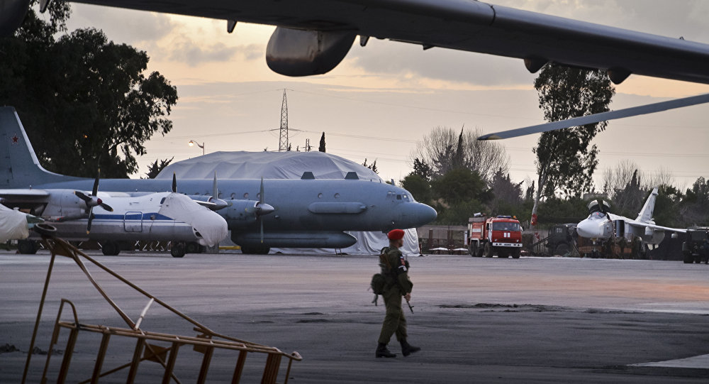 Il-20 alla base aerea russa a Hmeimim in Siria