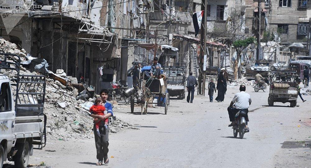 Il sobborgo di Damasco Douma visto dopo essere stato liberato.