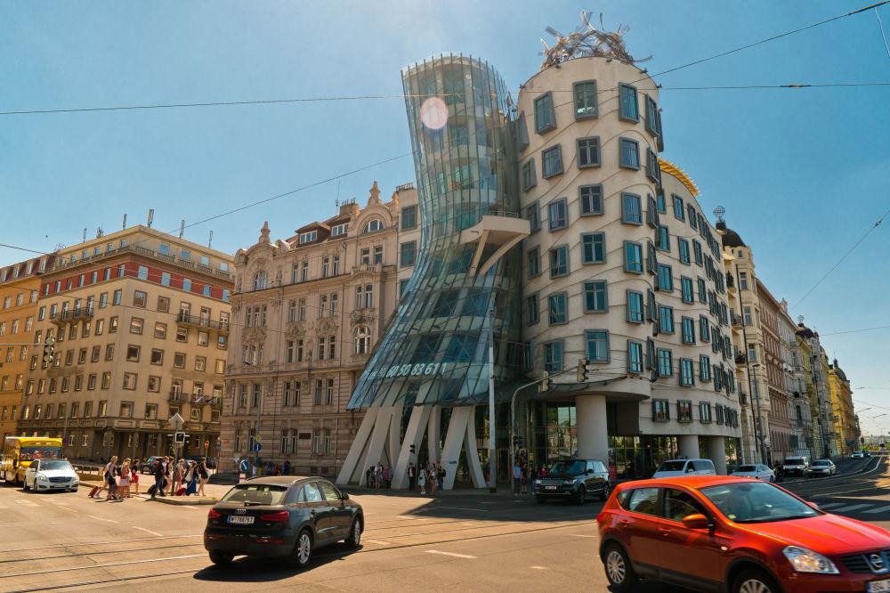 La 'casa danzante' a Praga