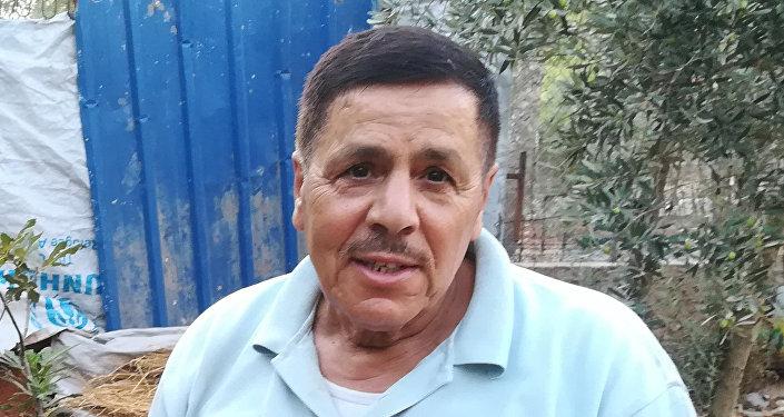 Mustafa Khalifah, residente di Aleppo che ha salvato decine di tartarughe dalla guerra