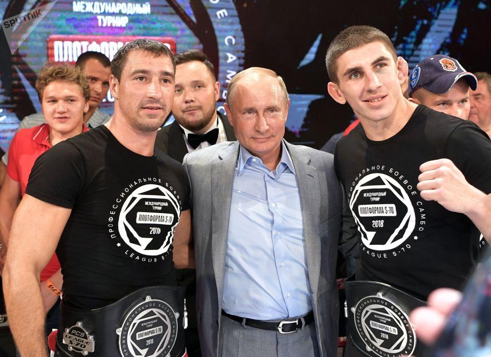 Putin alla cerimonia di premiazione dei vincitori del torneo internazionale di combattimento sambo Plotform S-70