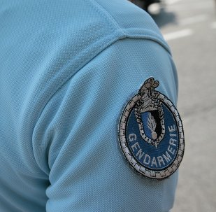 Agente della gendarmeria francese