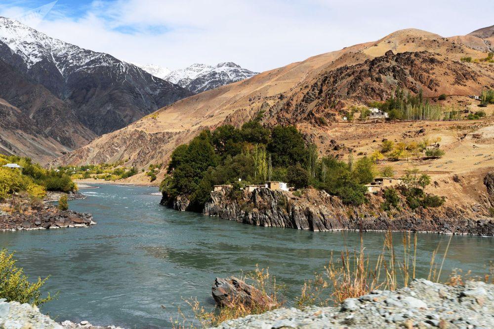 I kishlak afgani al confine tra Afghanistan e Tagikistan