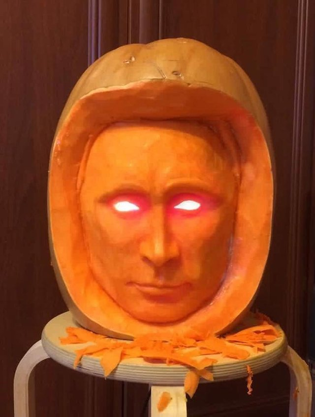 Una zucca intagliata in forma della testa del presidente Putin