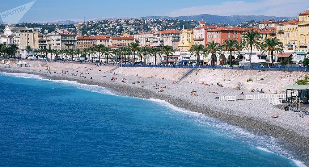 Una spiaggia a Nizza