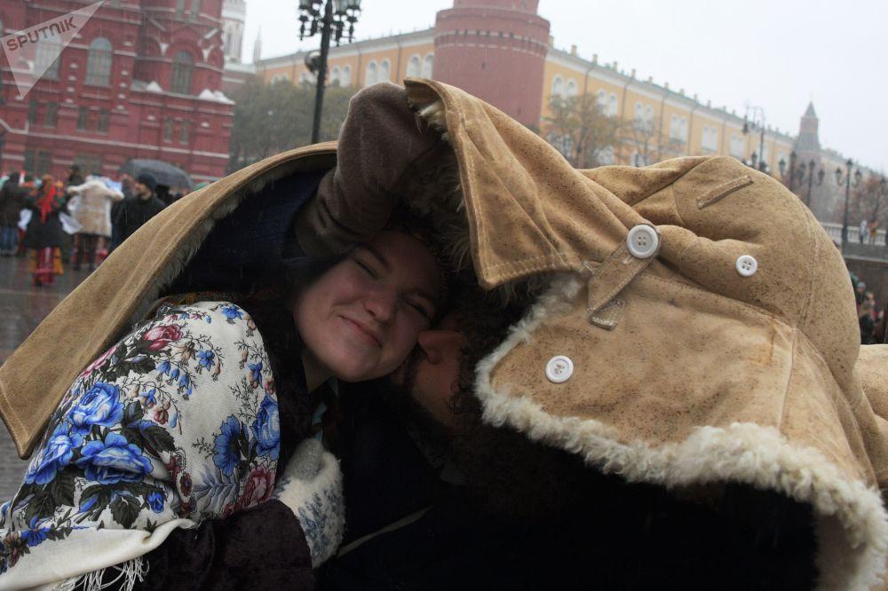 I partecipanti del festival dedicato alla Giornata dell'unità nazionale a Mosca.