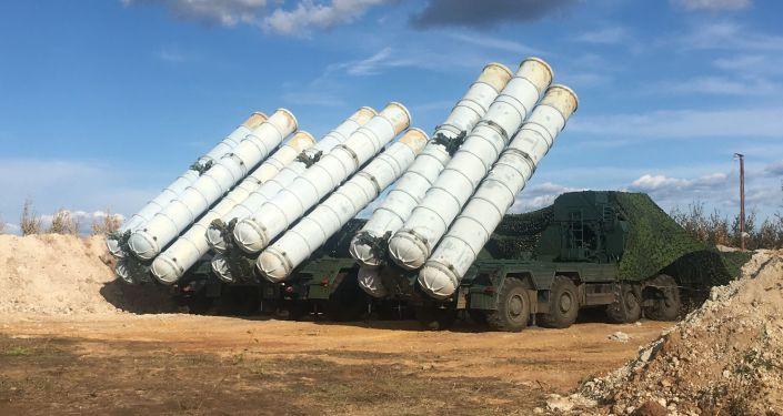 I sistemi d'arma antiaereo S-400 Triumf