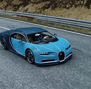 La supercar Bugatti Chiron fatta di milioni di mattoncini!