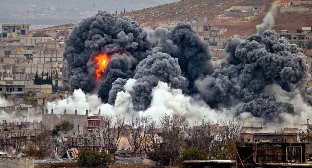 Bombardamenti coalizione anti-ISIS a Kobani, Siria