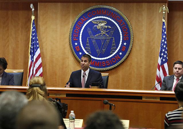 Il presidente delle FCC, Ajit Pai