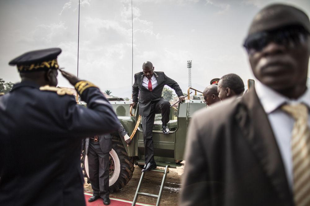 Il presidente burundese Pierre Nkurunziza durante il festeggiamento del giorno dell'Indipendenza a Bujumbura.