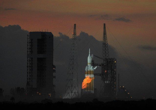 Lancio missile da Cape Canaveral (foto d'archivio)