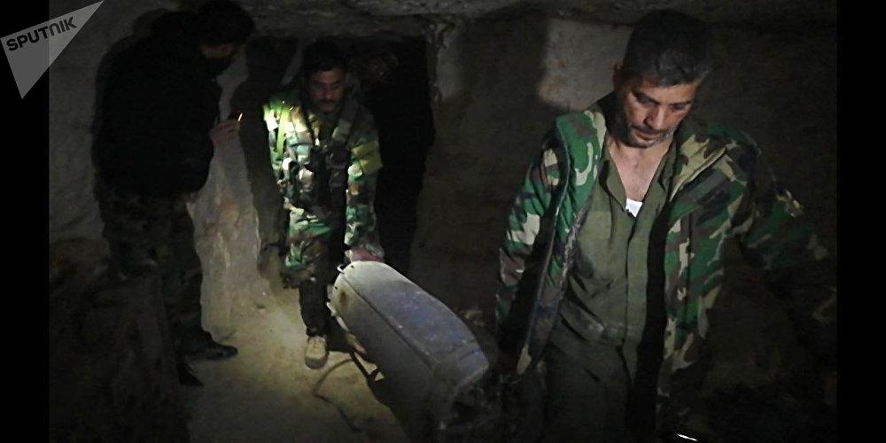 Tunnel sotterranei dei terroristi in Siria