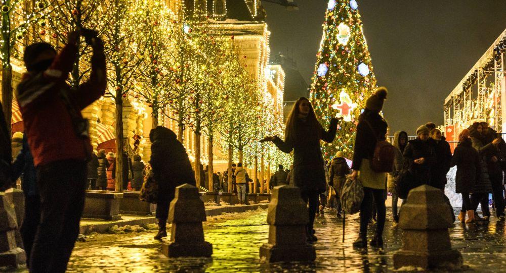 Atmosfera natalizia a Mosca