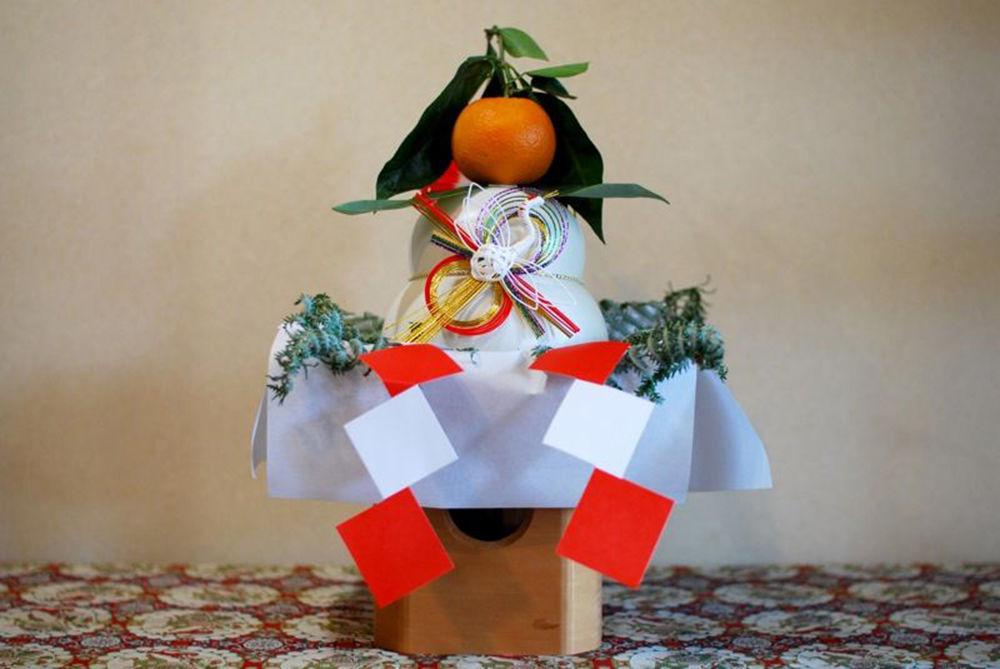 Dolcetti decorativi giapponesi Kagami-Mochi