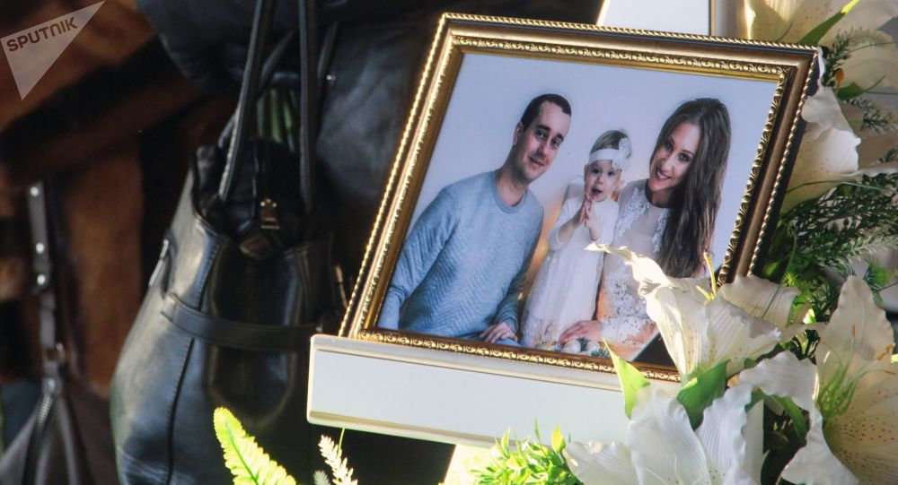 Le vittime della tragedia di Magnitogorsk: Igor, Milana ed Anastasia Kramarenko
