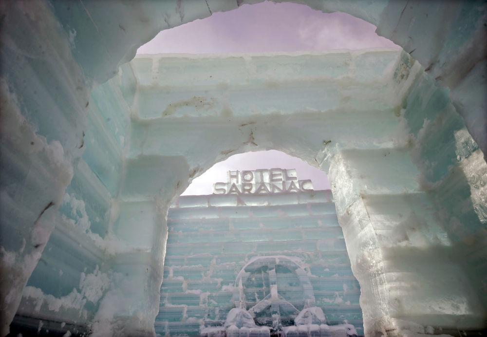 Saranac ice palace a Saranac Lake, Stati Uniti.