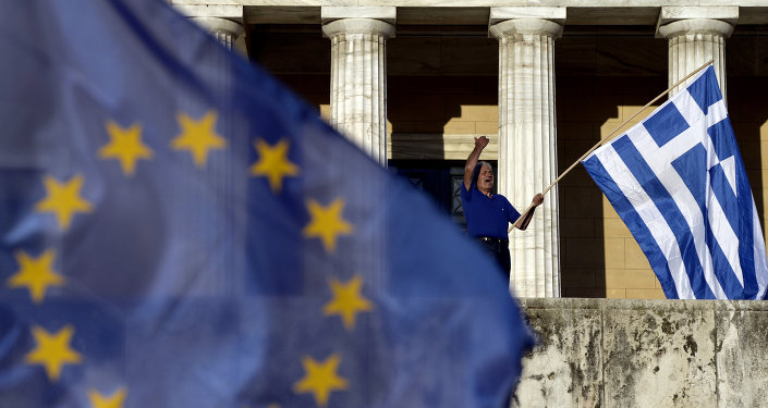 Le bandiere dell'UE e della Grecia