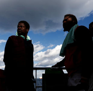 Migranti a bordo della nave Sea Watch 3