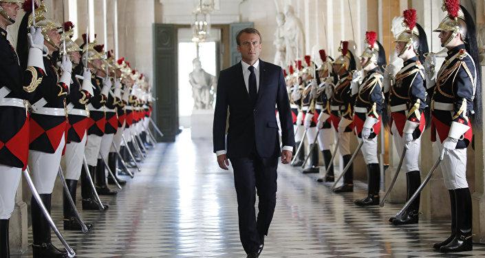 Usa, Trump vuole rimuovere il capo degli 007