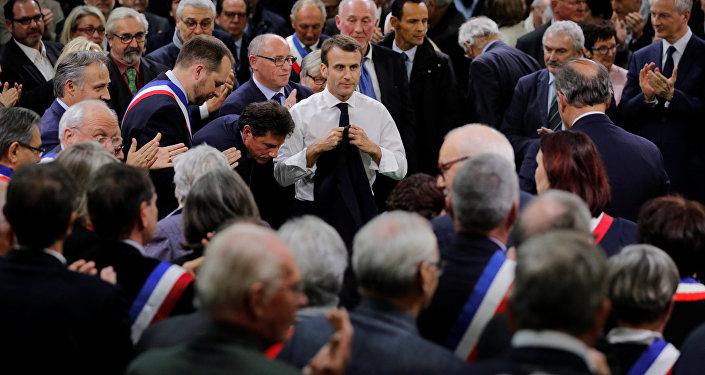 Telefonata Macron-Mattarella: