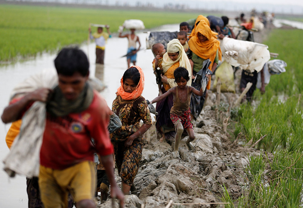 Profughi Rohingya al confine tra Bangladesh e Myanmar