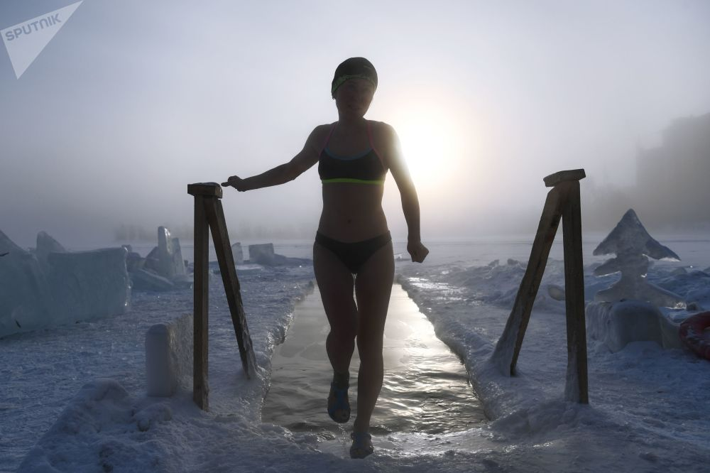 Nuoto invernale a Novosibirsk, Russia.
