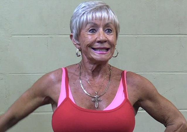 Nonnina bodybuilder