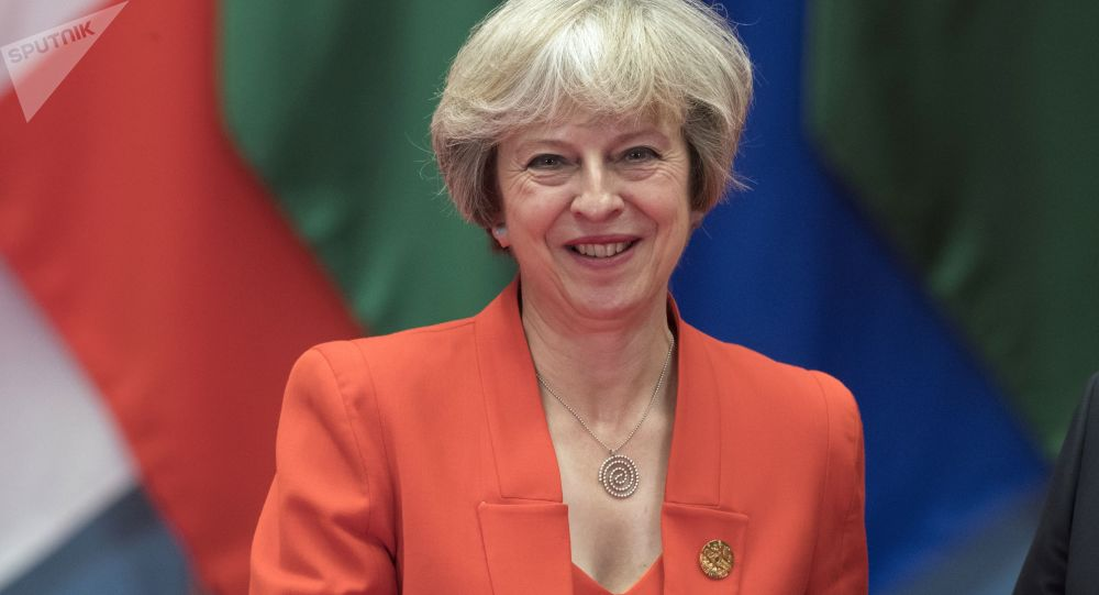 Brexit, Theresa May annuncia un