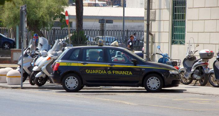 Autoveicolo della Guardia di Finanza