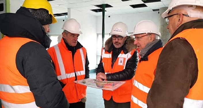 Sergio Chiamparino al cantiere del nuovo ospedale di Verduno